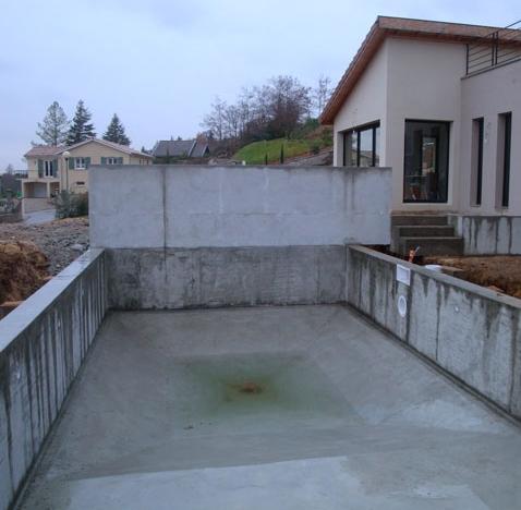 piscine beton brut. Black Bedroom Furniture Sets. Home Design Ideas
